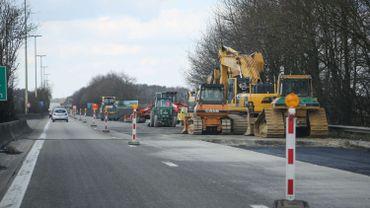 Illustration - Beau temps et routes désertes: pourquoi les chantiers routiers sont à l'arrêt?
