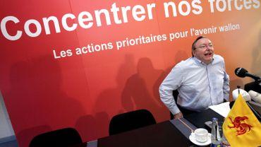 Le 30 août 2005, Jean-Claude Van Cauwenberghe, ministre-président wallon, présentait le premier Plan Marshall pour la Wallonie.
