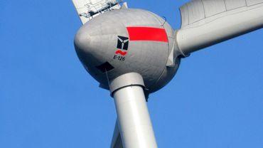 Les projets éoliens sont situés à Sterpenich et Hondelange, le long de l'autoroute E-411 (illustration).
