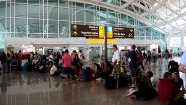 Conséquence : l'aéroport Ngurah Rai à Denpasar, capitale de Bali, avait été fermé mardi soir.
