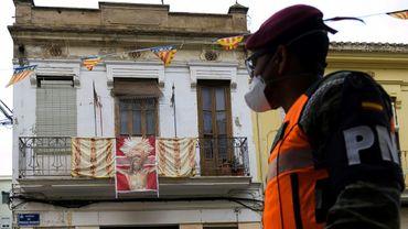 Un soldat espagnol dans une rue de Valence, dans le nord de l'Espagne, le 7 avril 2020