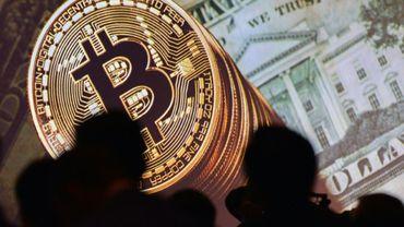 Le Bitcoin n'a pas de cours légal et n'est pas régi par une banque centrale ou un gouvernement mais par une vaste communauté d'internautes