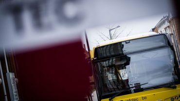 Une projet-pilote permet aux navetteurs de la ligne 10 de monter par l'arrière du bus. (illustration)