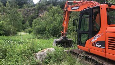 A Onoz, sur la commune de Jemeppe-sur-Sambre, des tests sont effectués en ce moment dans une ancienne décharge.