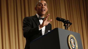 Obama fait rire un public déconnecté de la réalité