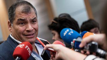 L'ancien président de l'Équateur (2007-2017) Rafael Correa donne une conférence de presse au Parlement européen à Bruxelles le 9 octobre 2019