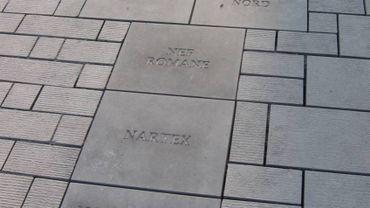 Des pierres avec des fautes d'orthographe à Tournai