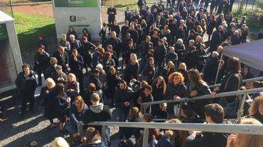 """300 personnes, de la région essentiellement, étaient rassemblées devant l'église de Boussu pour le tournage d'une scène du film """"un ange"""""""