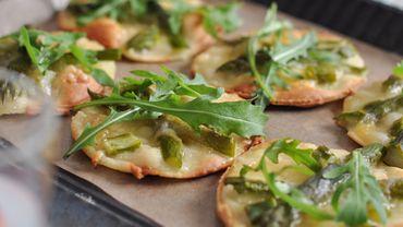 Recette : pizzete aux asperges vertes.