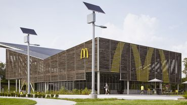 Le restaurant McDonald's du futur se trouve au parc World Disney Resort, en Floride.