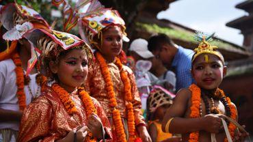 Illustration:jeunes filles népalaises