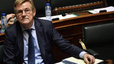 J.Van Overtveldt va-t-il recevoir 10 000 euros par mois comme indemnité de départ?