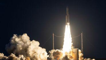 Une fusée Ariane 5 décolle le 20 juin 2019 du Centre spatial guyanais à Kourou