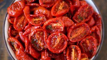 Recette de Candice: Truite saumonée fumée aux tomates séchées et basilic, vinaigrette au chocolat blanc