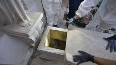 C'est une tombe vide que les enquêteurs ont découvert aujourd'hui dans le cimetière du Vatican