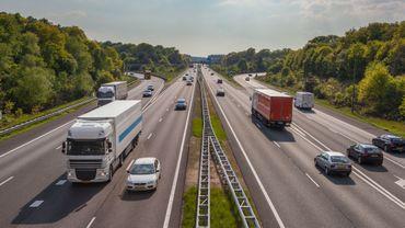 Vignettes et restrictions de circulation compliquent les voyages en Europe