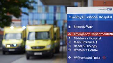 rès de 5000 ambulances se sont retrouvées à faire la queue pendant parfois plus d'une heure devant des hôpitaux pleins à craquer.