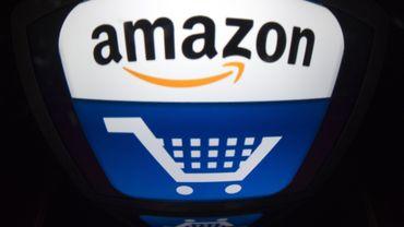 """Amazon France va lancer à partir de 2020 un programme visant à """"automatiser"""" les dons d'invendus des marchands que le géant américain de la vente en ligne héberge sur sa place de marché"""