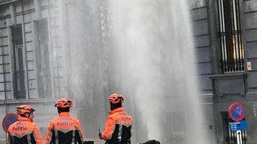 La fuite d'eau provenait d'une bouche d'incendie.