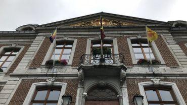 A l'hôtel de ville de Huy, l'après-Tihange a commencé en mode mineur...