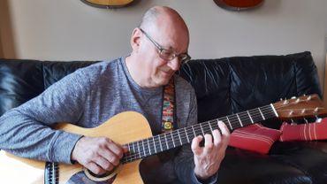 Le guitariste verviétois vient de sortir son 17ème album.