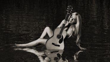 """""""Head Above Water"""", le prochain album d'Avril Lavigne, sortira ce vendredi."""