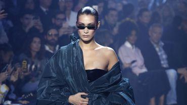 Bella Hadid, star du défilé haute couture d'Alexandre Vauthier pour le printemps-été 2018. Paris, le 23 janvier 2018.