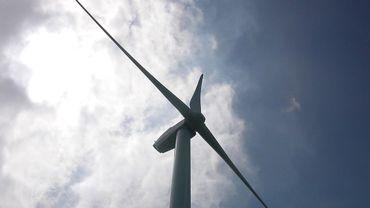 Les 8 éoliennes de 122 mètres de haut seront remplacées par 7 autres machines, plus grandes (170 mètres) mais aussi deux fois et demi plus puissantes... (illustration)