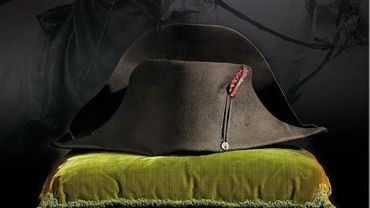 Le célèbre couvre-chef impérial sera mis en vente les 15 et 16 novembre à Fontainebleau