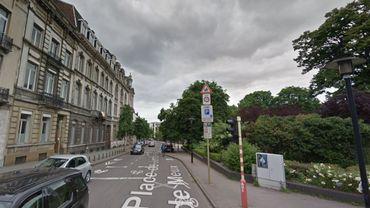 La place Jamblinne de Meux, à cheval sur les communes de Schaerbeek et Bruxelles-ville.