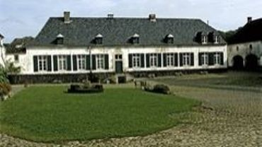 Datant du 18ème siècle, la ferme de Wahenge doit subir une cure de jouvence.