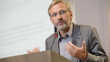 Eduard Delruelle, directeur du Centre, qui a également entrepris cette semaine une constitution de partie civile contre l'humoriste Dieudonné.