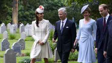 Le couple princier de Grande-Bretagne, Kate et William, a tenu à rendre hommage aux soldats tombés pendant le conflit aux côtés du Roi Philippe et de la Reine Mathilde.