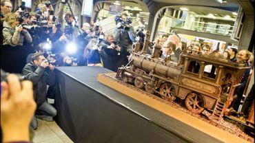 Un parterre de journalistes pour découvrir le plus grand train en chocolat du monde.