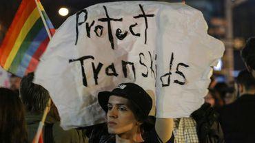 Des manifestants demandent le maintien des droits des personnes transgenres, le 23 février 2017 à New York