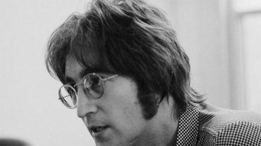 Dessin de Lennon imitant Hitler
