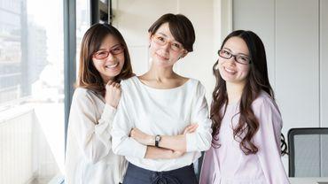Au Japon, des femmes se battent pour pouvoir porter leurs lunettes au travail