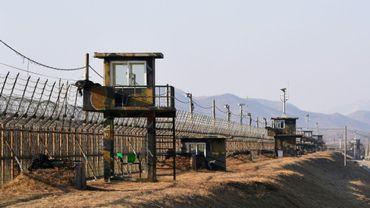 La Corée du Sud a érigé un mur de barbelés à la frontière avec la Corée du Nord, ici à Paju le 12 février 2017