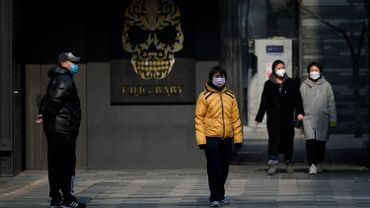 """Coronavirus: L'OMS parle de """"très grave menace"""" pour le monde"""