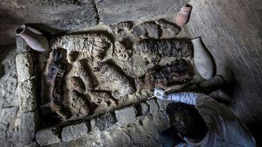 Une mission archéologique égyptienne a mis au jour notamment des scarabées et des chats momifiés.
