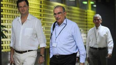 Le négociateur en chef du gouvernement colombien, Humberto de la Calle (c), le 7 juillet 2015 à La Havane