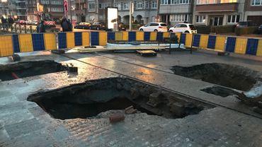 L'effondrement a probablement eu lieu à cause d'une fuite d'eau.