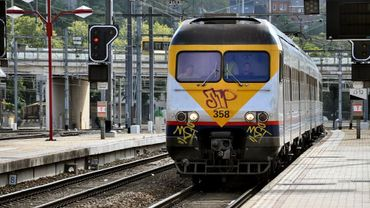 Le trafic ferroviaire interrompu entre Hal et Tournai : un corps aperçu le long des voies à Silly