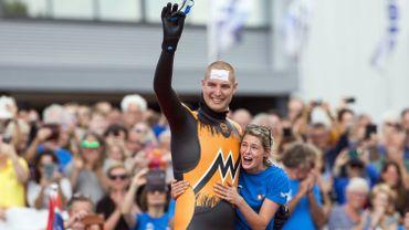 Le nageur néerlandais Maarten van der Weijden réussit son pari fou pour la lutte contre le cancer