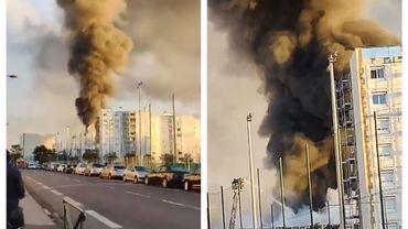 """Impressionnant incendie dans une """"pépinière de Start-ups de Villeurbanne, dans la banlieue lyonnaise."""