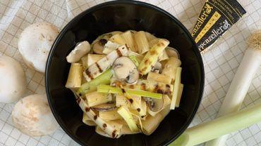 Dans votre assiette ce soir: rigatoni, crème à l'Appenzeler, poireaux et champignons.