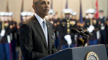 """Barack Obama appelle les militaires à une transition Trump """"sans heurts"""""""