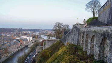 A un mois de l'inauguration, les tests de charge du téléphérique de Namur sont lancés