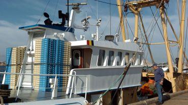 Illustration: un bateau de pêche dans le port de Zeebruges