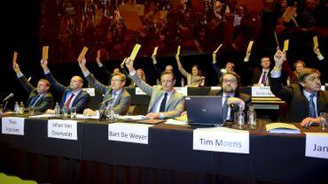 La N-VA lors de son congrès de participation au gouvernement Michel